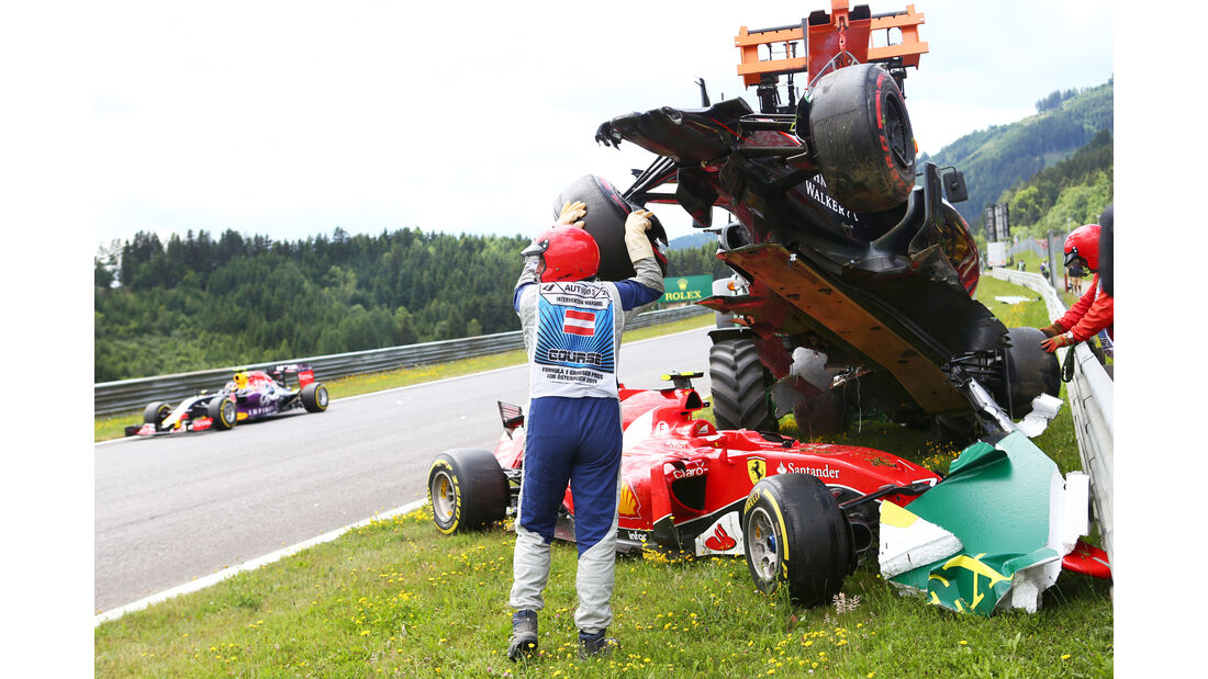 Alonso vs. Räikkönen - Formel 1 - GP Österreich 2015