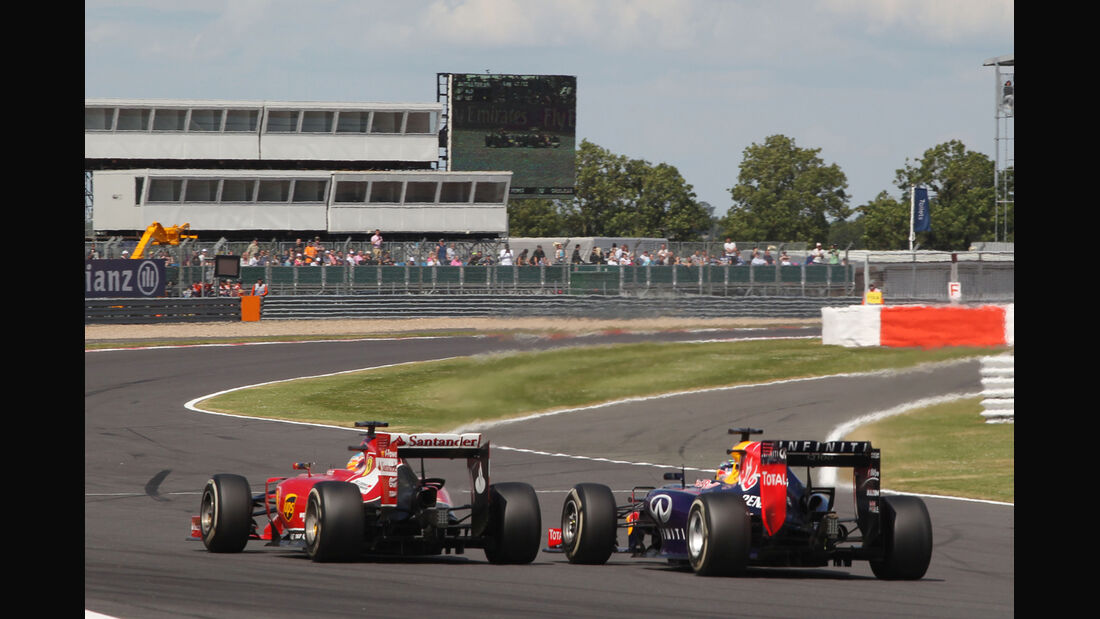 Alonso vs. Vettel - GP England 2014