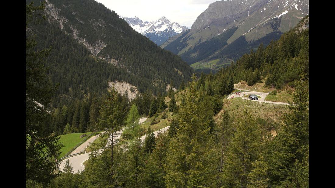 Alpen, Straße
