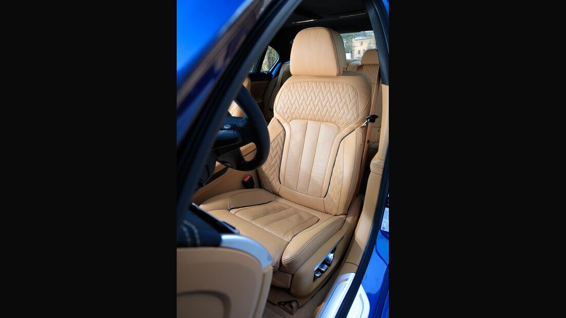 Alpina B7 Biturbo, Fahrersitz