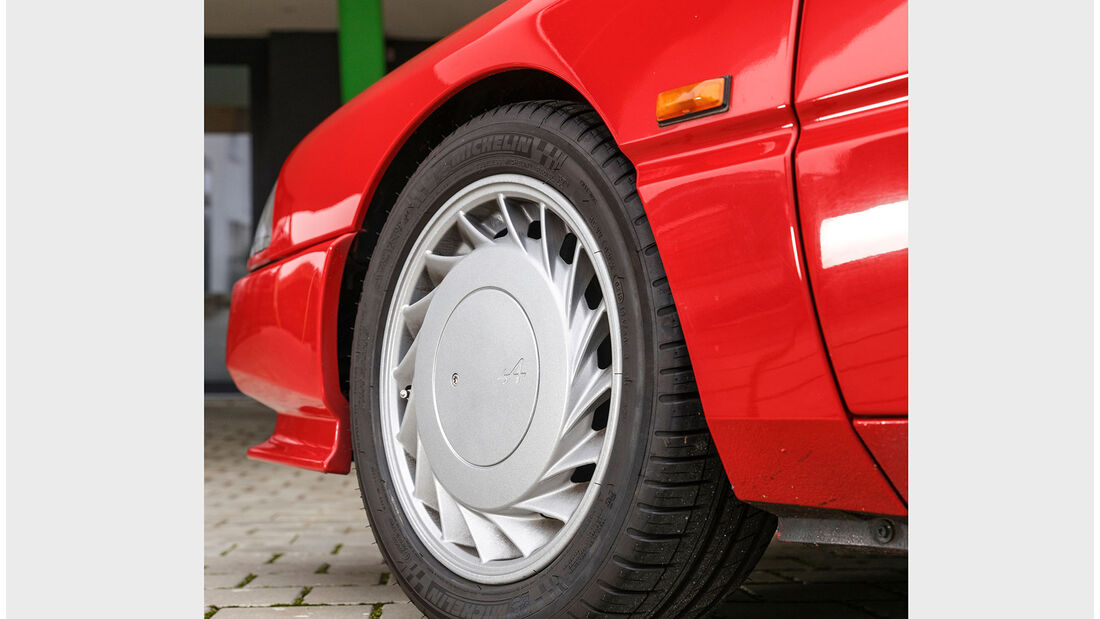 Alpine V6 Turbo, 1990, Vorderrad
