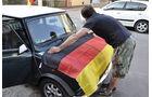 Anbringen der WM Fahne