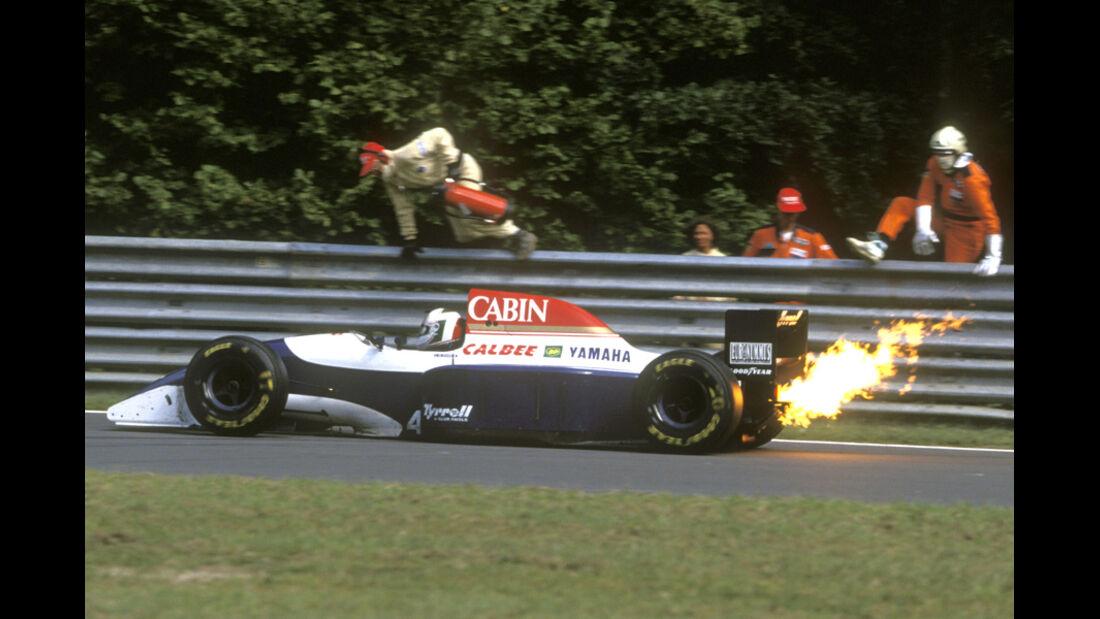 Andre de Cesaris - Feuer