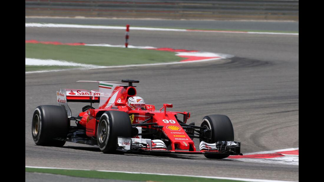 Antonio Giovinazzi - Ferrari - Formel 1 - Testfahrten - Bahrain International Circuit - Dienstag - 18.4.2017