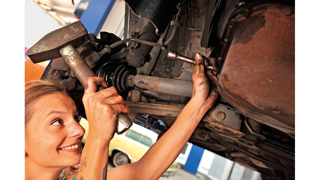 Antriebswellen-Manschetten, Werkzeug fixieren