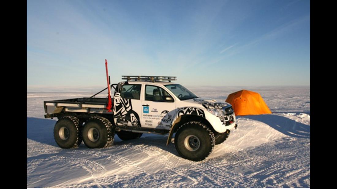 Arctic Trucks Toyota Hilux Südpol 6x6