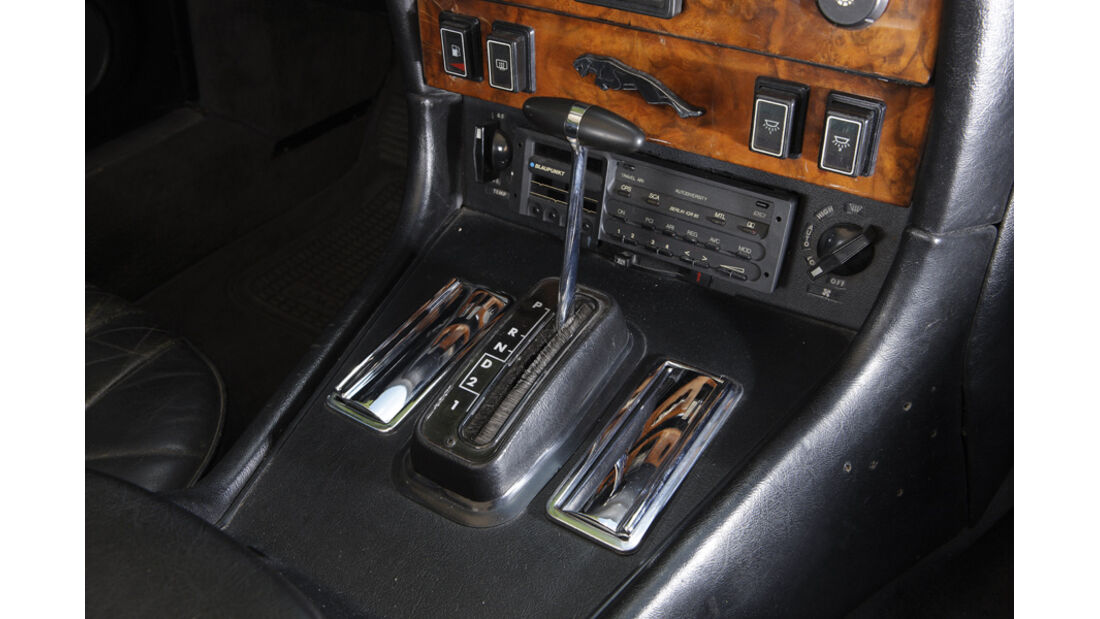 Arden-Jaguar XJ 12, Baujahr 1983, Mittelkonsole