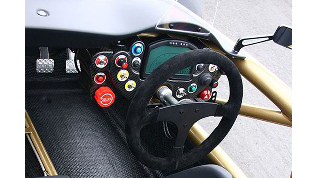 Ariel Atom V8, Cockpit