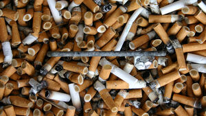 Aschenbecher, Zigaretten, Gestank