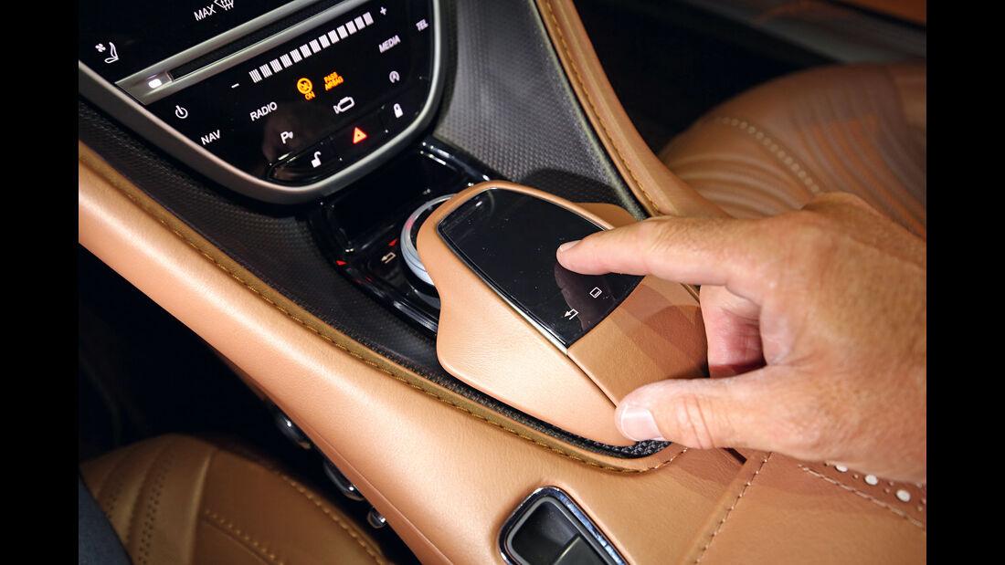 Aston Martin DB11, Bedienelemente