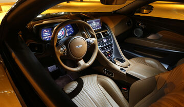 Aston Martin DB11, Cockpit