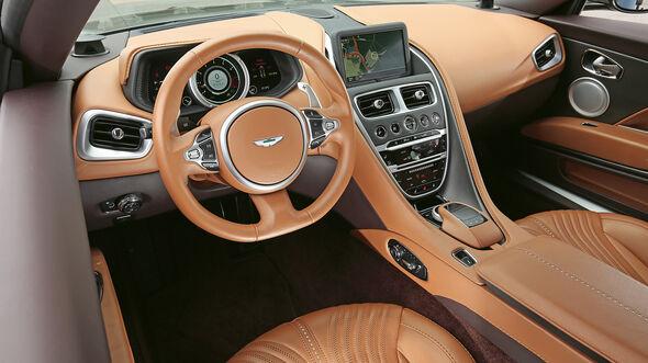 Aston Martin DB11, Cockpit