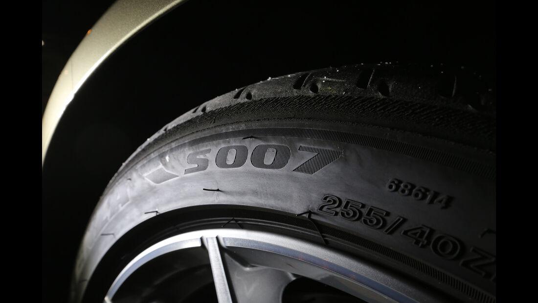 Aston Martin DB11, Reifen