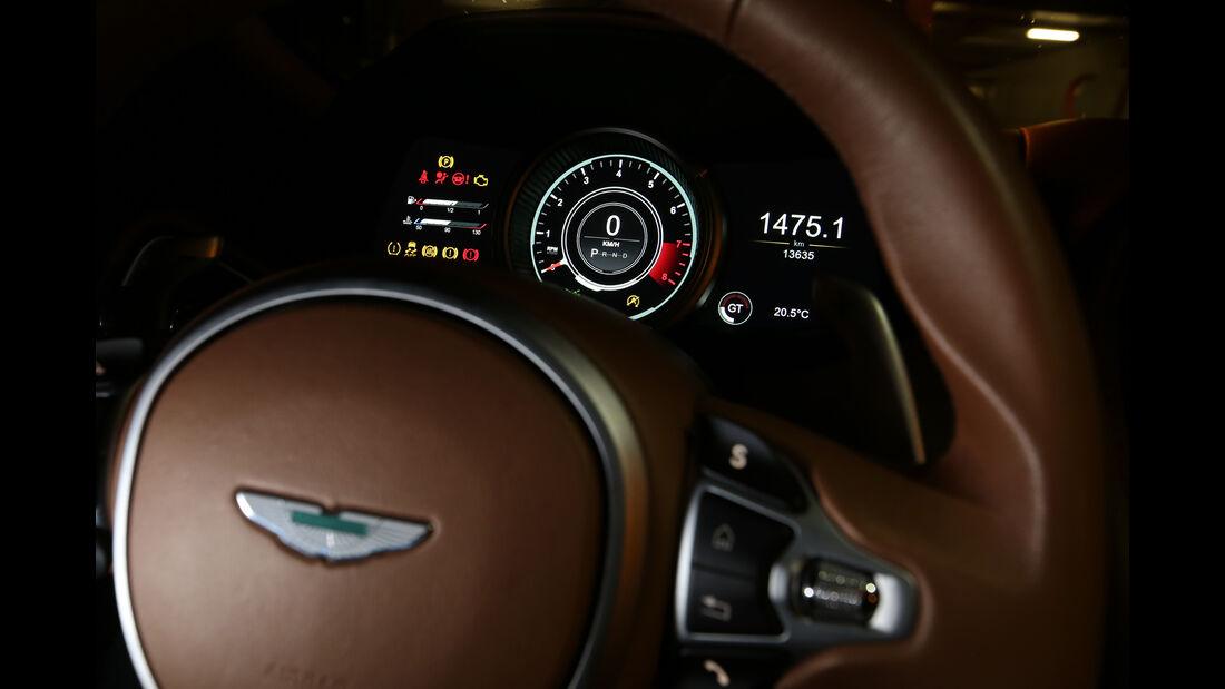 Aston Martin DB11, Rundinstrumente