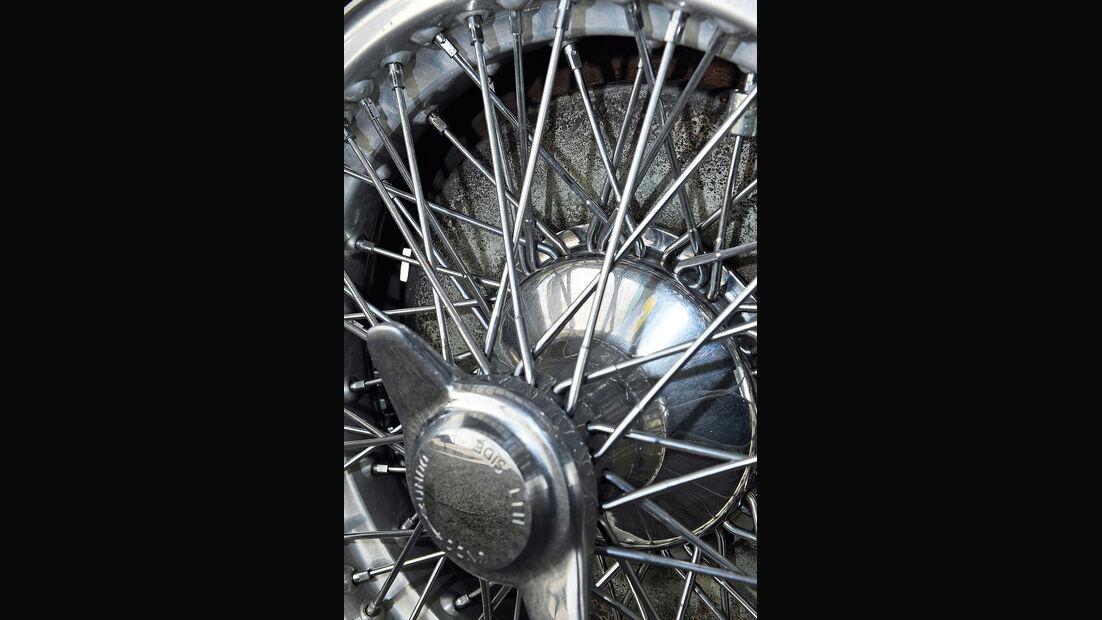 Aston Martin DB2, Speichenrad