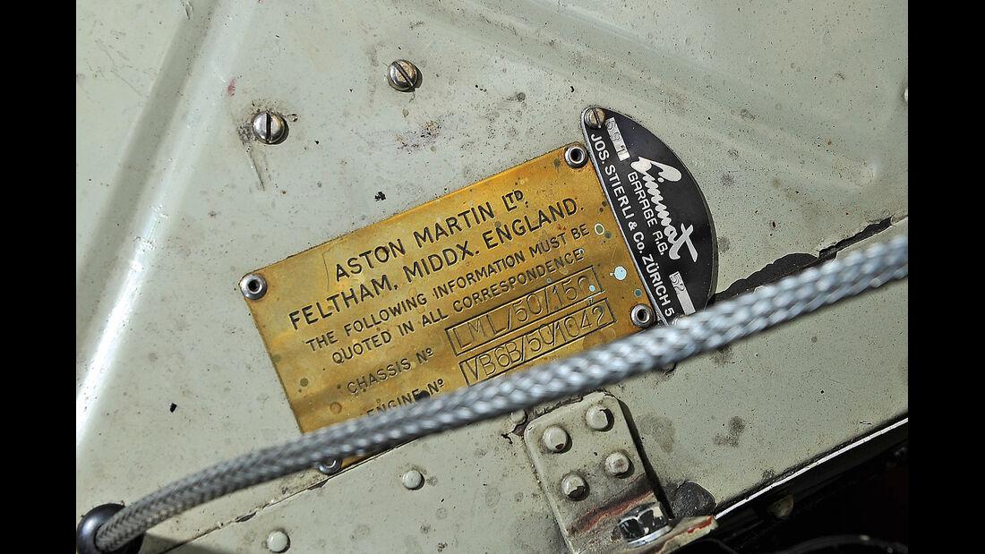 Aston Martin DB2, Typenschild