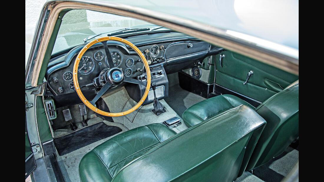 Aston Martin DB4 Vantage, Cockpit