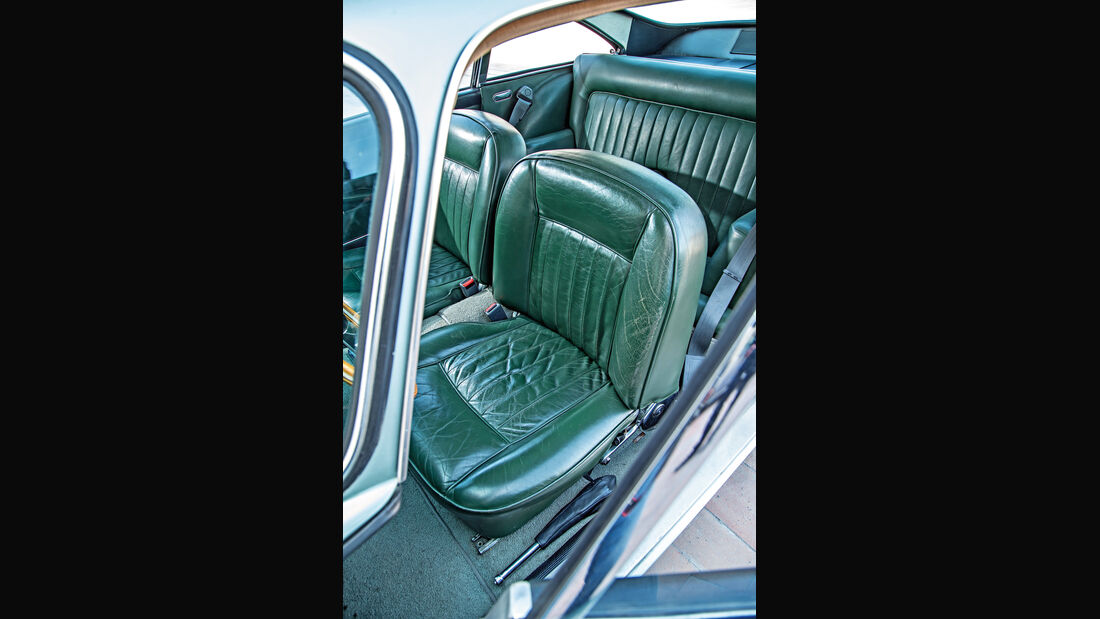 Aston Martin DB4 Vantage, Fahrersitz