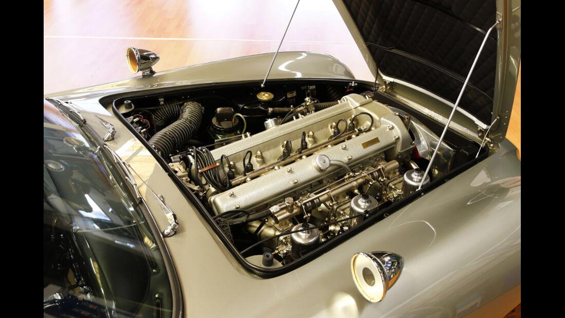 """Aston Martin DB5 """"007"""", Motor"""
