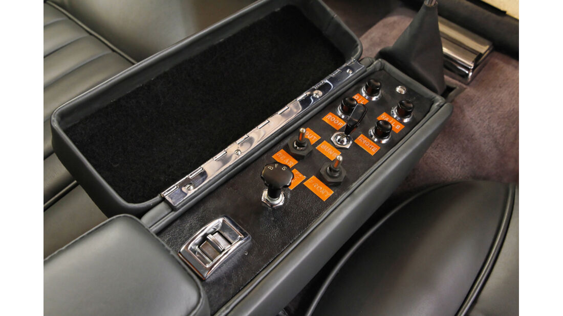 "Aston Martin DB5 ""007"", Schalter Mittelarmlehne"