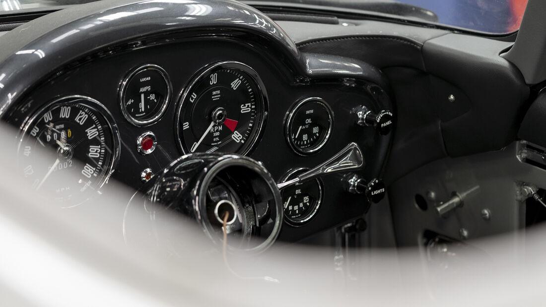 Aston Martin DB5 Goldfinger, Interieur