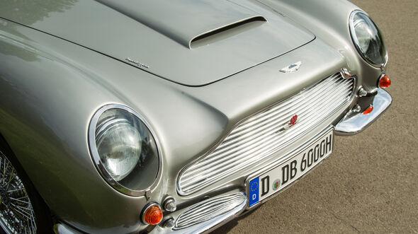 Aston Martin DB6, Motorhaube