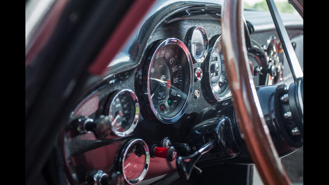 Aston Martin DB6, Rundinstrumente