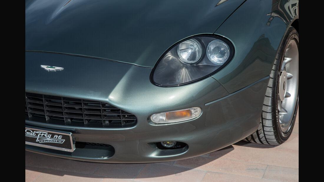 Aston Martin DB7, Frontscheinwerfer