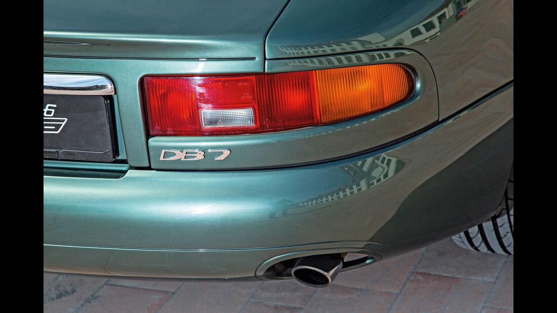 Aston Martin DB7, Heckleuchte