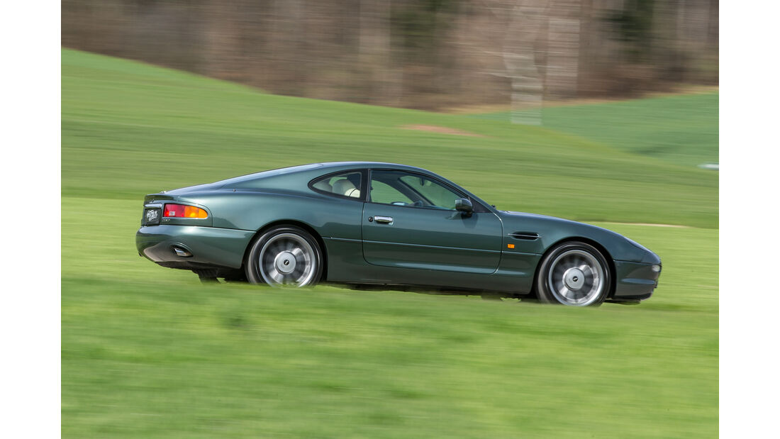 Aston Martin DB7, Seitenansicht