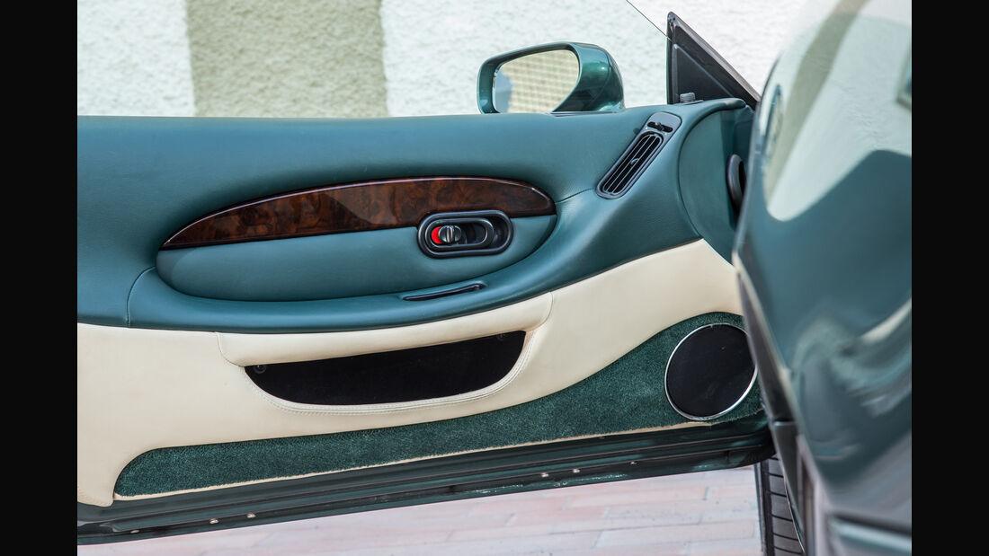 Aston Martin DB7, Türinnenseite