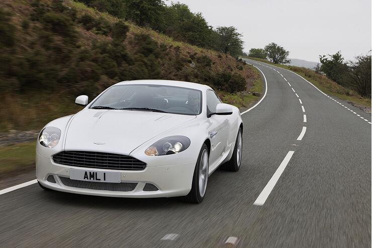 Aston Martin Db9 Facelift Für Coupé Und Volante Bond Dienstwagen Erhält Frischzellenkur Auto Motor Und Sport