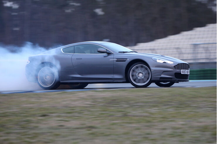Aston Martin DBS 01