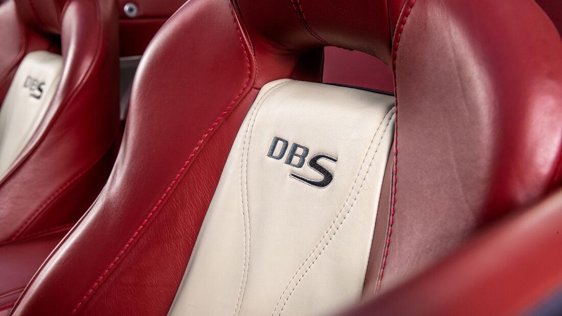 Aston Martin DBS, Interieur