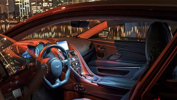 Aston Martin DBS Superleggera, Interieur