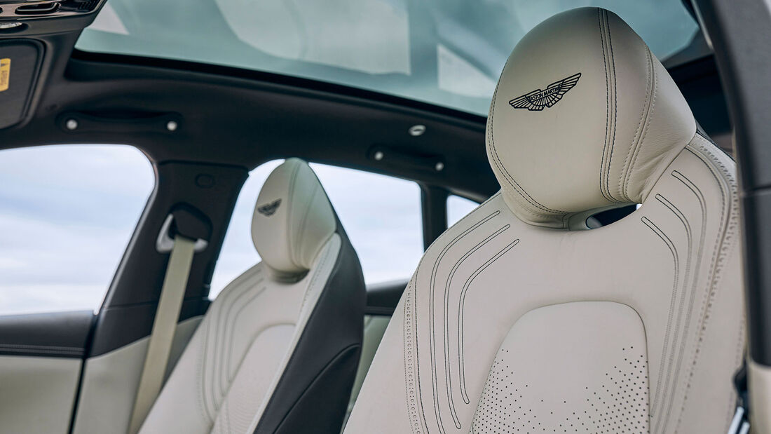 Aston Martin DBX, Test ams 0221