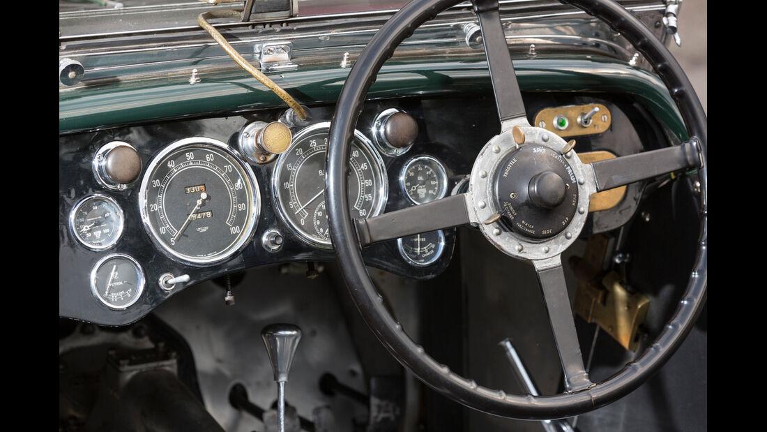Aston Martin MK II, Lenkrad, Rundinstrumente