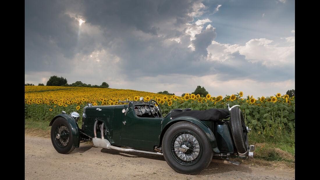 Aston Martin MK II, Seitenansicht