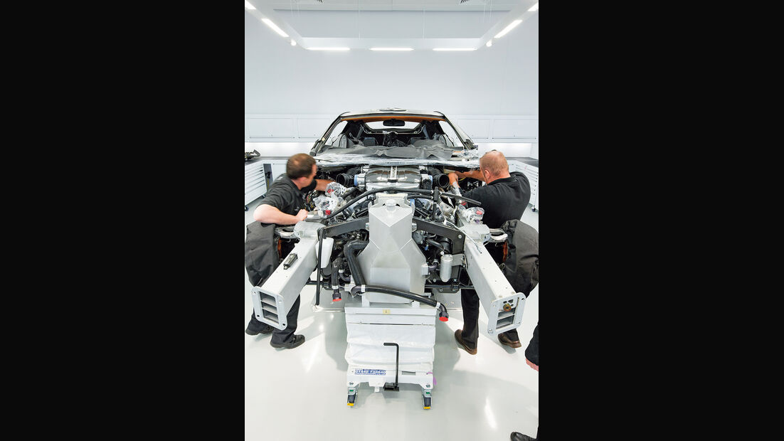 Aston Martin One-77, Produktion, Rohkarosserie