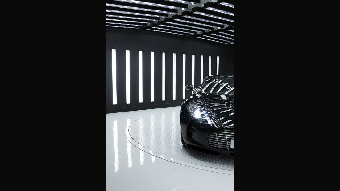 Aston Martin One-77, Showroom