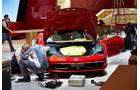 Aston Martin Tuch, Genfer Autosalon, Messe 2014