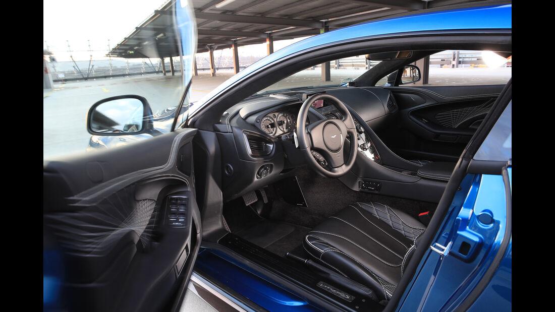 Aston Martin V12 Vanquish S, Cockpit