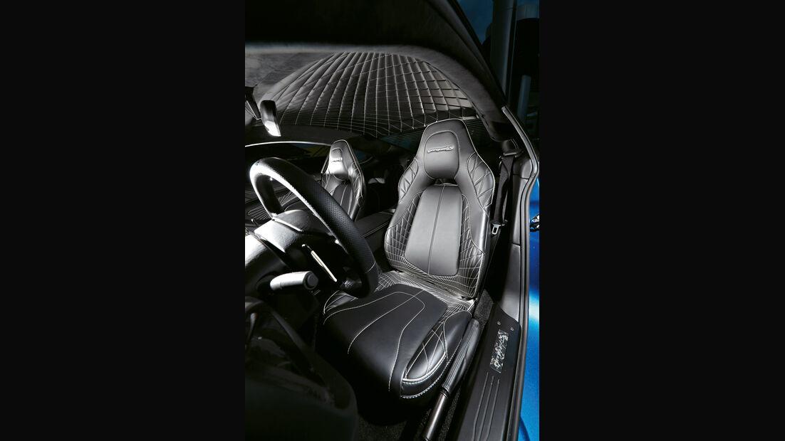 Aston Martin V12 Vanquish S, Fahrersitz