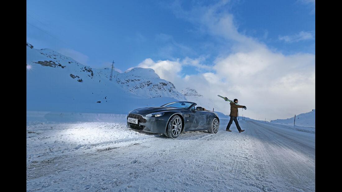 Aston Martin V12 Vantage Roadster, Frontansicht, Ski