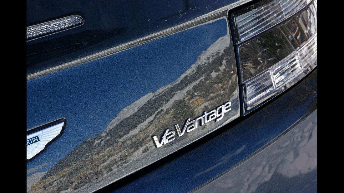 Aston Martin V12 Vantage Roadster, Typenbezeichnung