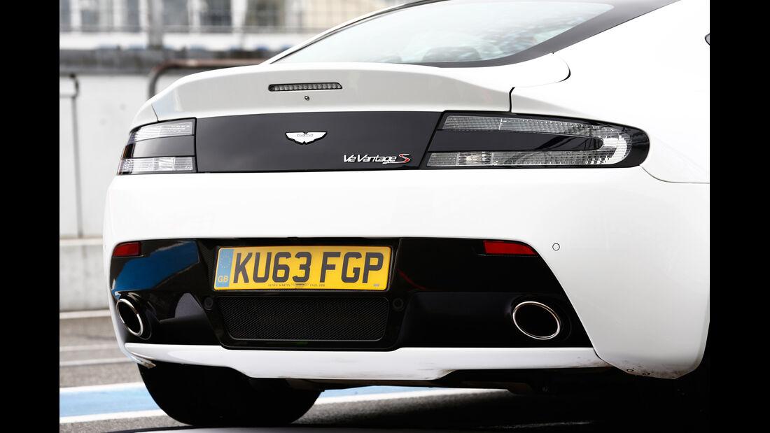 Aston Martin V12 Vantage S, Heck, Auspuff