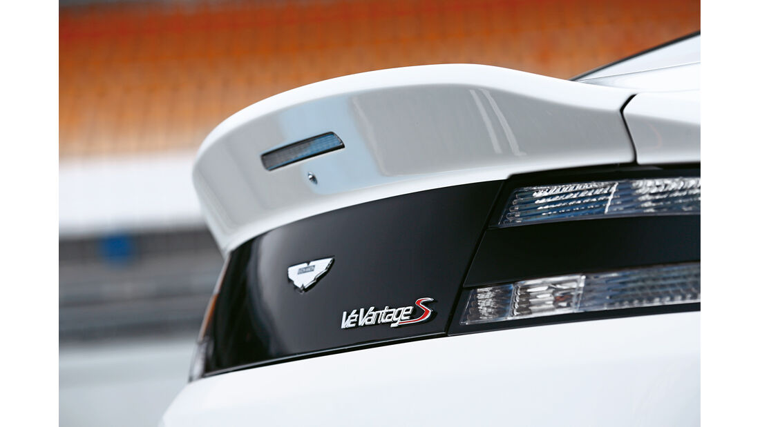 Aston Martin V12 Vantage S, Heckspoiler