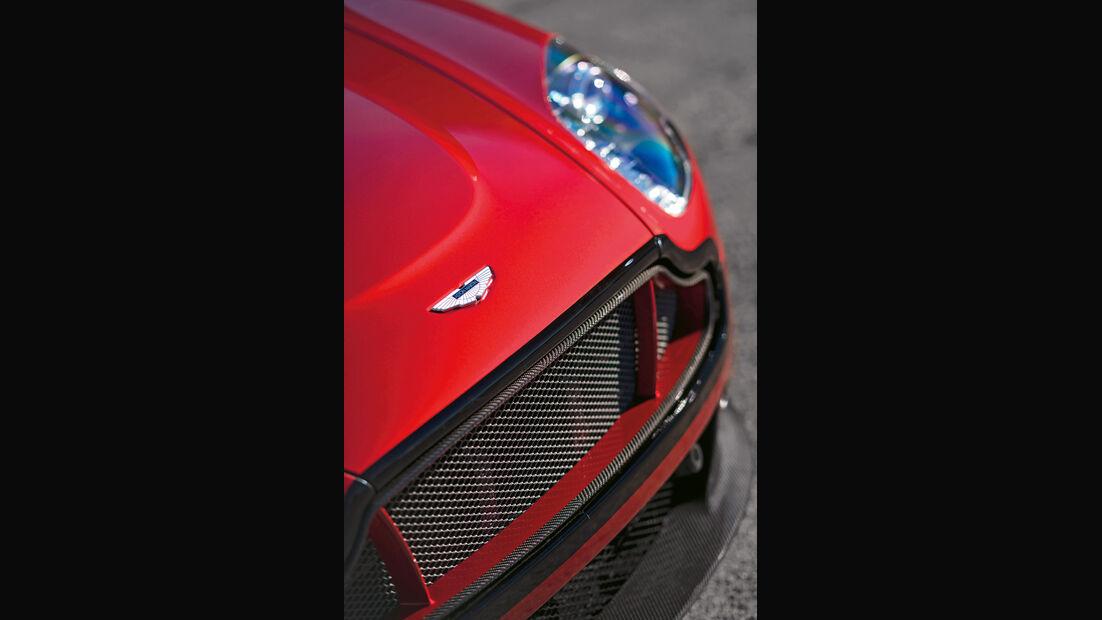 Aston Martin V12 Vantage S, Kühlergrill, Frontscheinwerfer