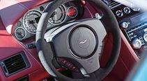 Aston Martin V12 Vantage S, Lenkrad