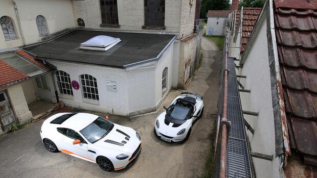 Aston Martin V12 Vantage S, Lotus Elise Cup 250, Draufsicht